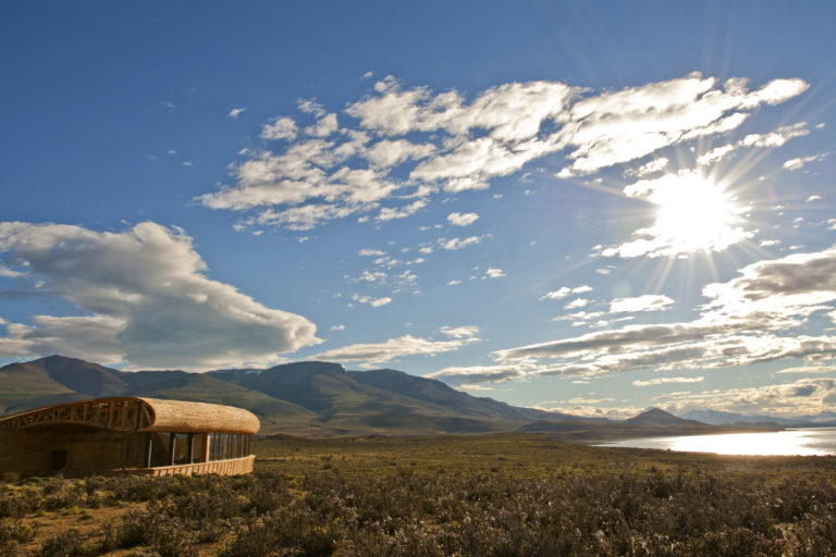 This Patagonia eco resort has an expressive design approach closely linked with Chile, its land, scenery and traditions.