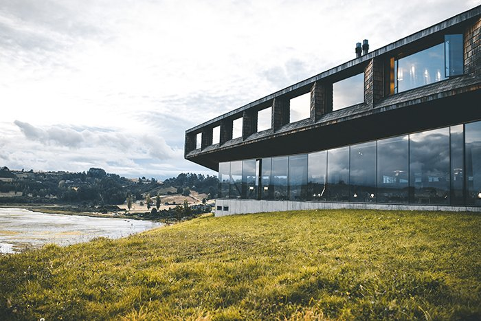 hotel tierra chiloe humedal pullao